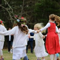 primary-May-Day-at-Waldorf-School-of-Cape-Cod-1490105536