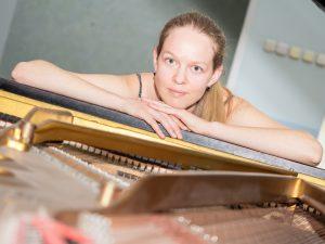 Pianist Alexandra Beliakovich in Benefit Recital for WOMR